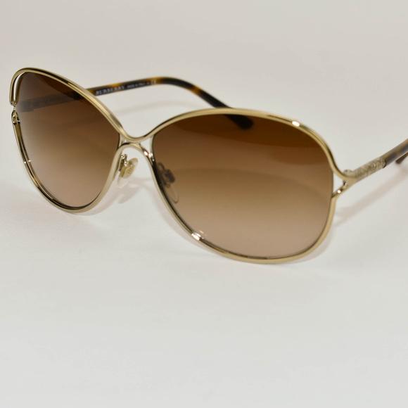 085c4895eb8e Burberry Accessories - Burberry Gold Pale Metal   Nova Check Sunglasses
